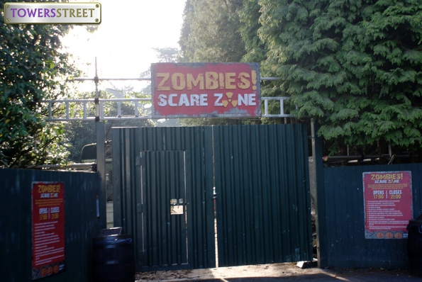 Zombies Scarezone Entrance - 2011