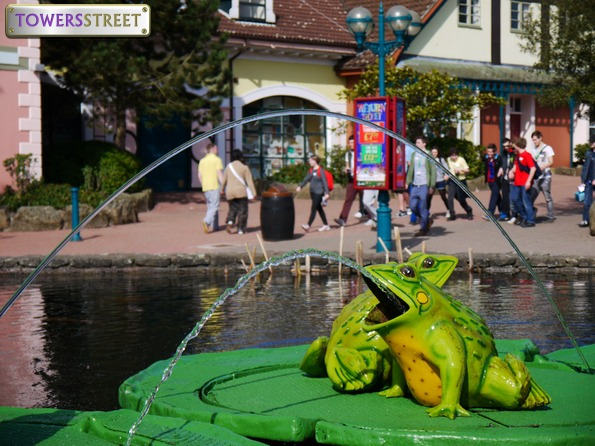 Towers Street Frog Fountains